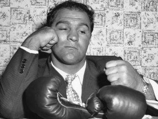 Rocky Marciano egykori veretlen nehézsúlyú világbajnok.