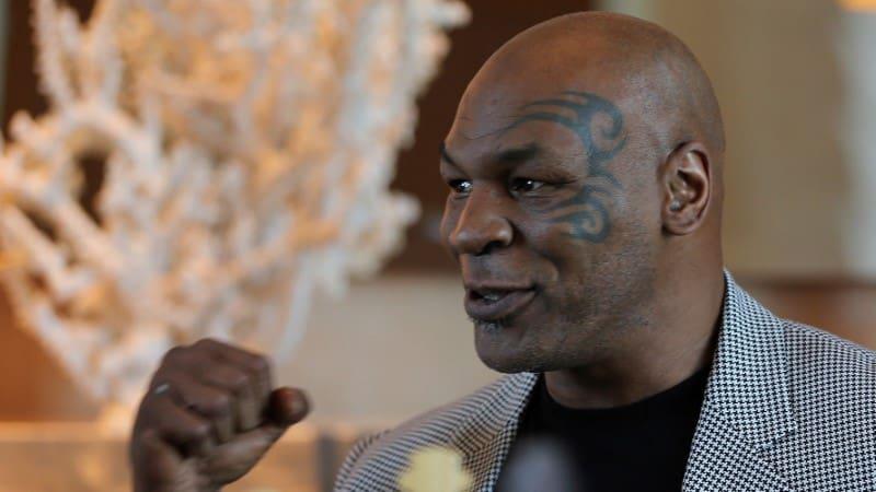 Mike Tyson egykori nehézsúlyú világbajnok ökölvívó.